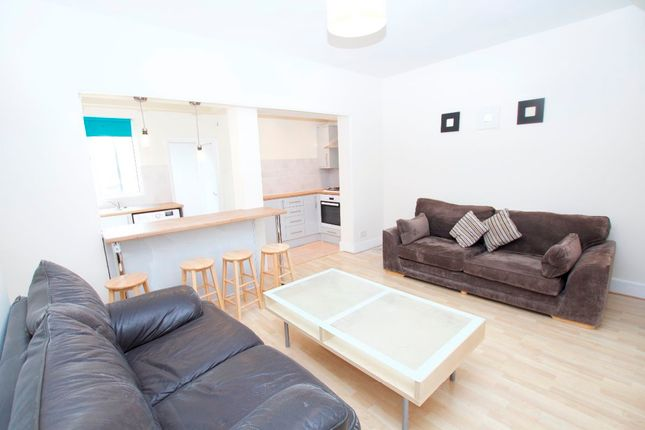 Thumbnail Shared accommodation to rent in Kingston Road, New Malden