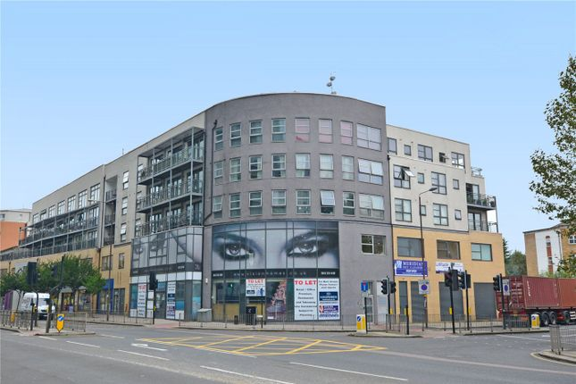 Thumbnail Flat for sale in Meridian Point, Creek Road, Deptford, London