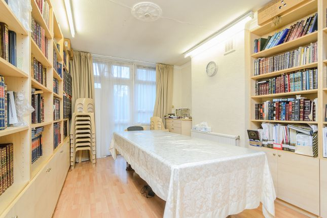 Thumbnail Flat for sale in 124 Cazenove Road, London