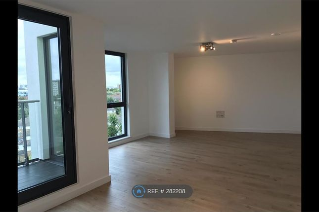 Thumbnail Flat to rent in Guildhall House, London