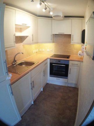 Thumbnail Flat to rent in Eastwick Road, Taunton
