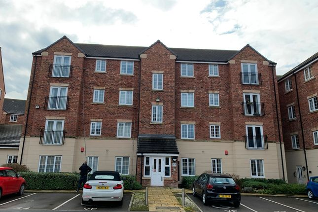 2 bed flat to rent in College Court, York YO24