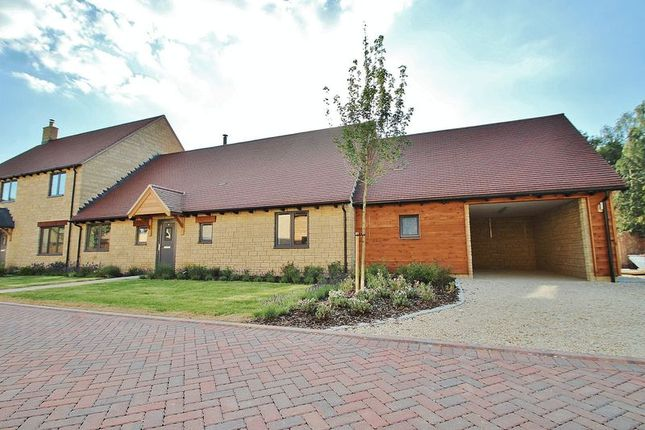 Thumbnail Semi-detached bungalow for sale in Park Farm Place, Northmoor, Near Standlake.