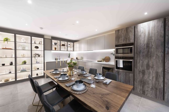 Flat for sale in Wharf Road, London