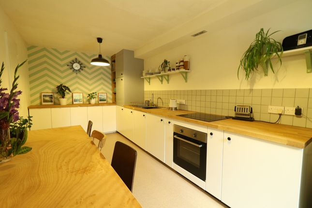 Thumbnail Terraced house for sale in Sunwell Close, Peckham