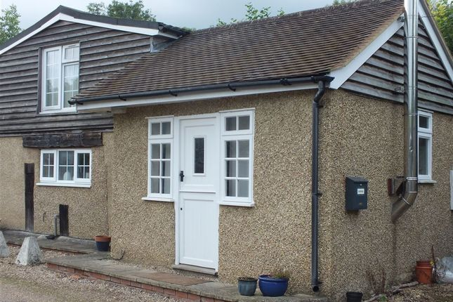 Thumbnail Property to rent in Gatemoor Lane, Holtspur, Beaconsfield