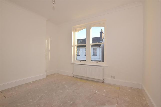 2 bed maisonette for sale in Victoria Street, Rochester, Kent