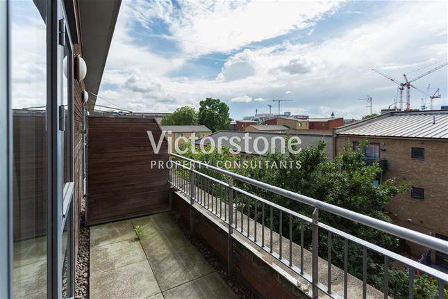 Thumbnail Maisonette to rent in Bemerton Street, Kings Cross, London