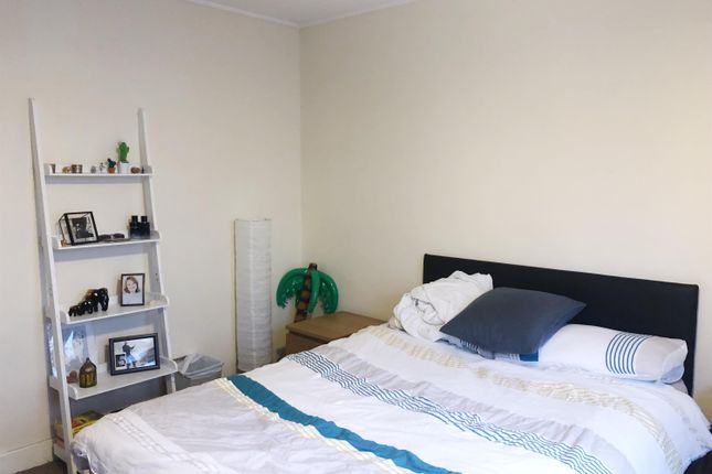 Thumbnail 3 bed flat to rent in The Lane, Leeds
