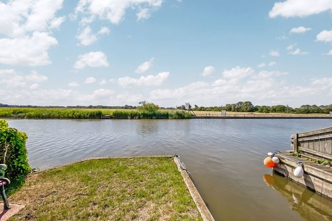 River View of North East Riverbank, Potter Heigham, Great Yarmouth NR29