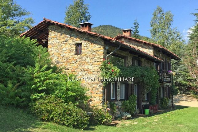 Villa With Pool For Sale In Piedmont Turin
