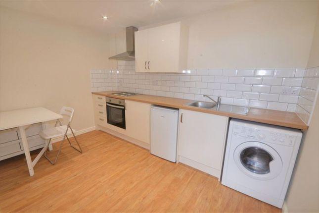 1 bed flat to rent in King Charles II House, Headlands Lane, Pontefract WF8