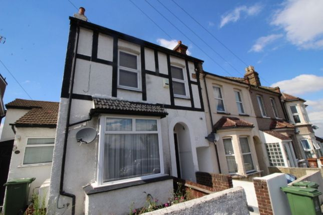 Thumbnail Flat for sale in Ruskin Road, Belvedere