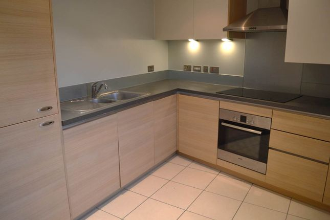 2 bed flat to rent in Abbots Gate, Bury St. Edmunds