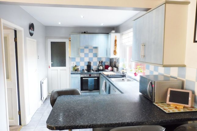 Kitchen of Meadow View, Worsbrough S70