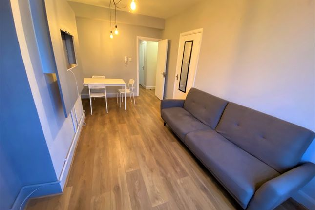 1 bed flat to rent in Kingsland High Street, Dalston E8