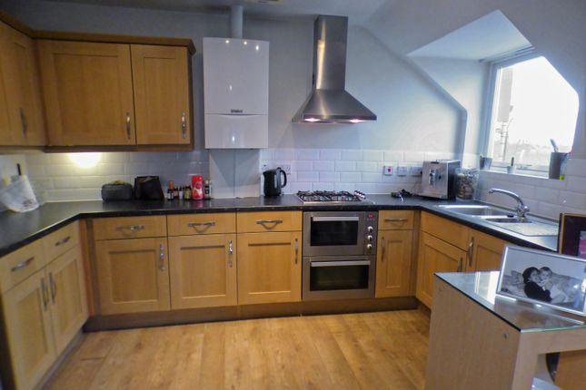 Thumbnail Flat to rent in Elland Close, New Barnet, Barnet