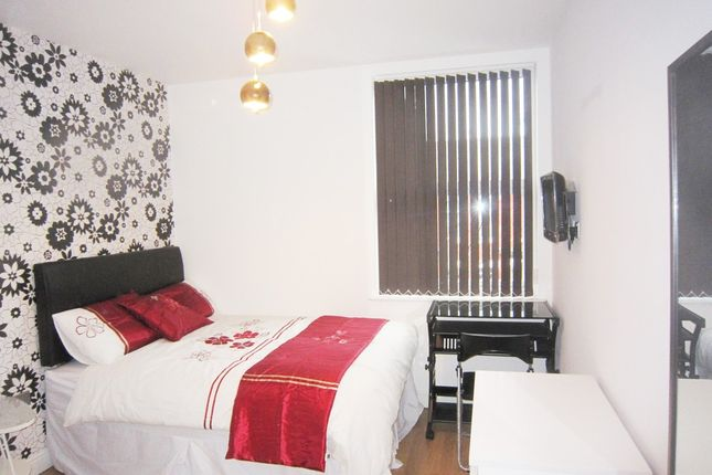 Detached house to rent in Mabfield Road, Fallowfield, Manchester