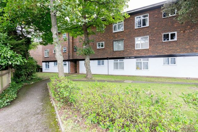Thumbnail Flat for sale in Velyn Avenue, Chichester
