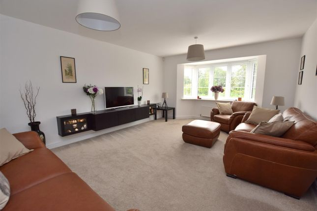 Spacious Lounge of The Paddock, Allestree, Derby DE22