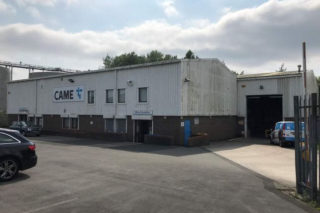 Thumbnail Light industrial to let in 14 Latham Close, Bredbury Park Industrial Estate, Bredbury. Stockport. 2Sd.