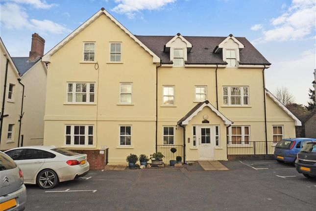 Thumbnail Flat for sale in New Town, Uckfield, East Sussex