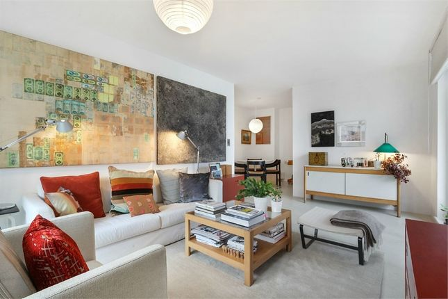 Thumbnail Flat for sale in City Peninsula, Barge Walk, London
