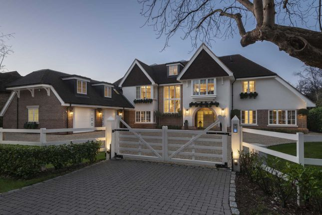 Thumbnail Country house for sale in Camp Road, Gerrards Cross