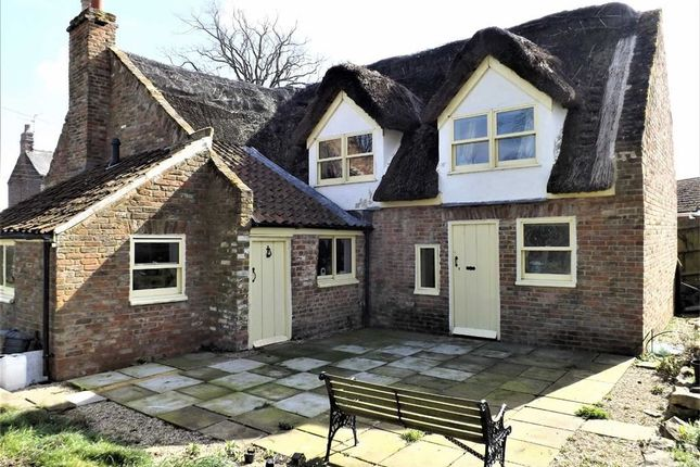 3 bed cottage for sale in Sutton Crosses, Long Sutton, Spalding