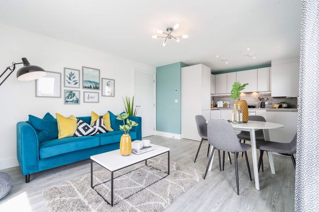 Thumbnail 1 bed flat for sale in 162 Elm Quay, Endle Street, Southampton