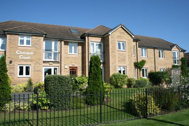 2 bed flat for sale in Banbury Road, Kidlington