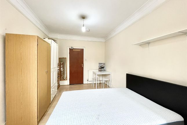 Thumbnail Room to rent in Tottenhall Road, Palmers Green