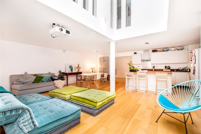 Thumbnail Terraced house for sale in Florida Street, London