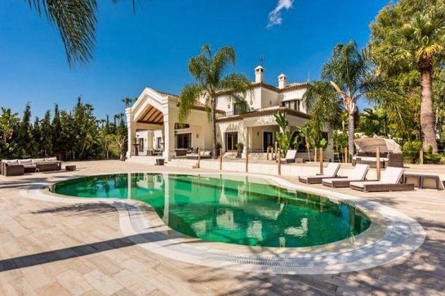 6 bed villa for sale in Nueva Andalucia, Marbella, Spain