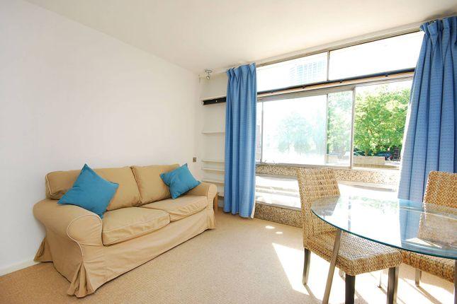 Studio to rent in Golden Lane Estate, Barbican, London EC1Y