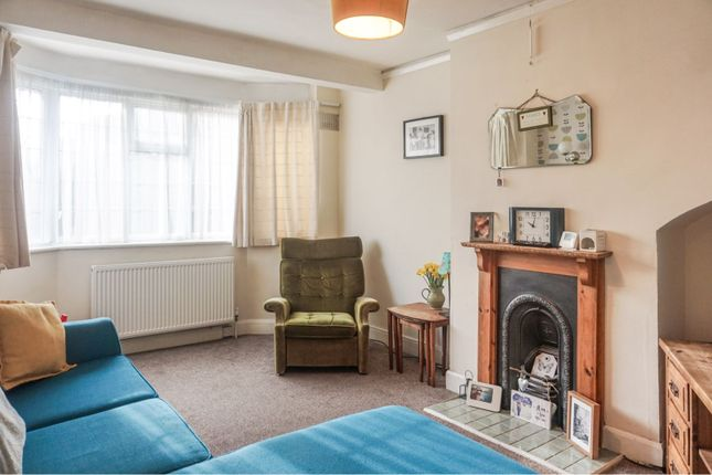 Lounge of Brookside Avenue, Coventry CV5