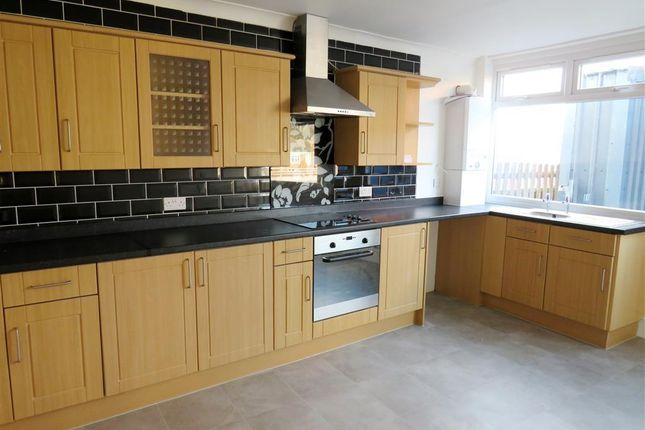 Flat to rent in Grange View Road, Kimberworth, Rotherham