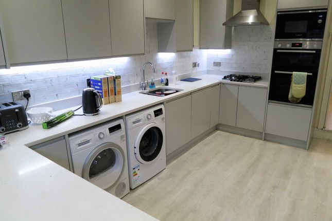 Thumbnail Terraced house to rent in Mauldeth Road, Fallowfield, Manchester