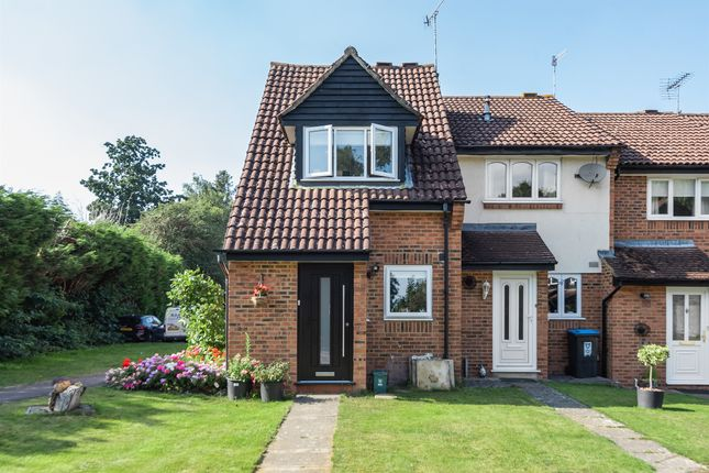 2 bed end terrace house for sale in Friars Field, Northchurch, Berkhamsted HP4