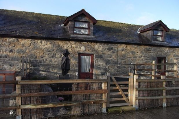 Thumbnail Cottage to rent in Rowen, Conwy