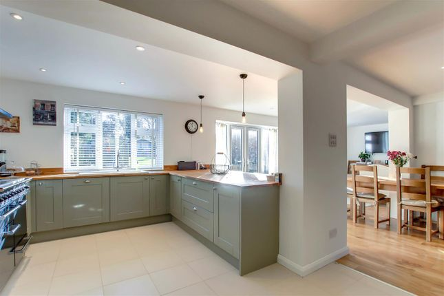 Thumbnail Detached house for sale in Chapel Croft, Chipperfield, Kings Langley