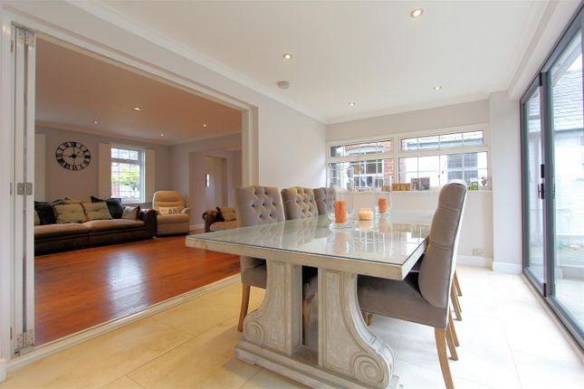 Dining Room of Chertsey Road, Byfleet, West Byfleet KT14