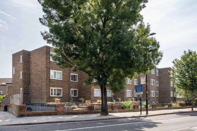Thumbnail Flat to rent in Ward Road, London