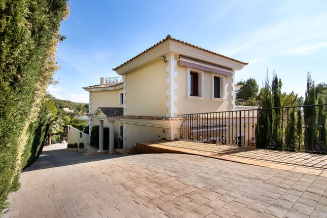 Thumbnail Villa for sale in Altea, Costa Blanca, 03590, Spain