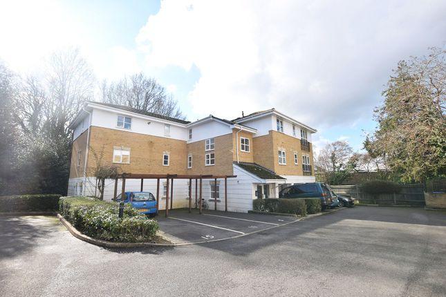 Thumbnail Flat to rent in Sabin Gates, Old Bracknell Lane East, Bracknell, Berkshire