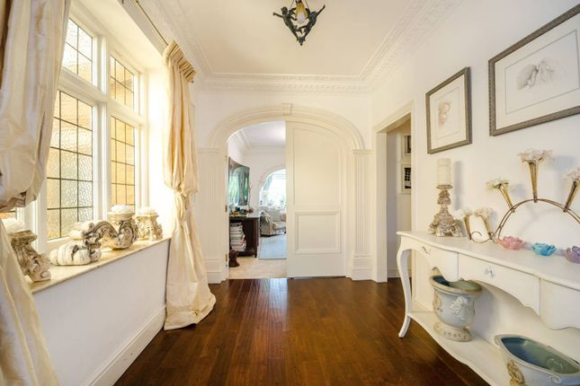 Detached house in  Aylmer Road  East Finchley  London Watford