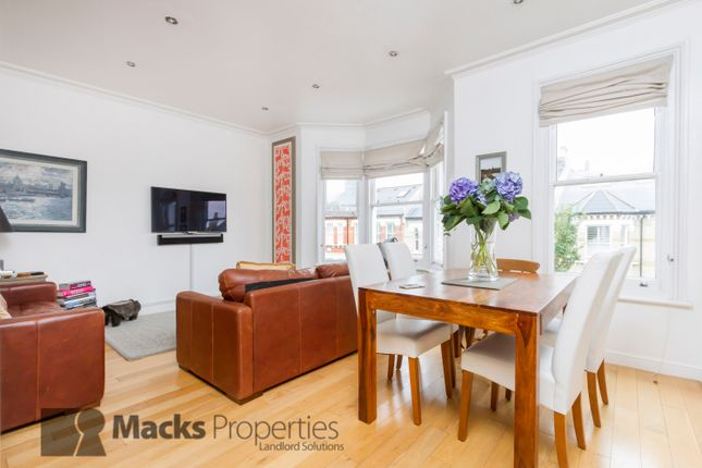 Thumbnail Maisonette to rent in Devereux Road, Clapham