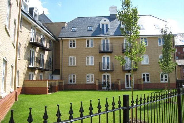Thumbnail Flat for sale in Grosvenor Place, Colchester