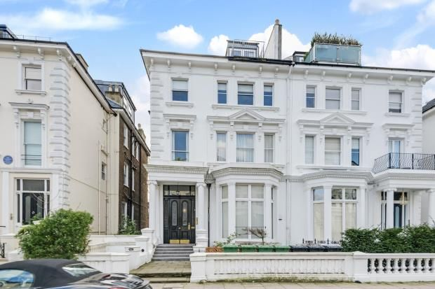 2 bed flat for sale in Belsize Park Gardens, Belsize Park, London