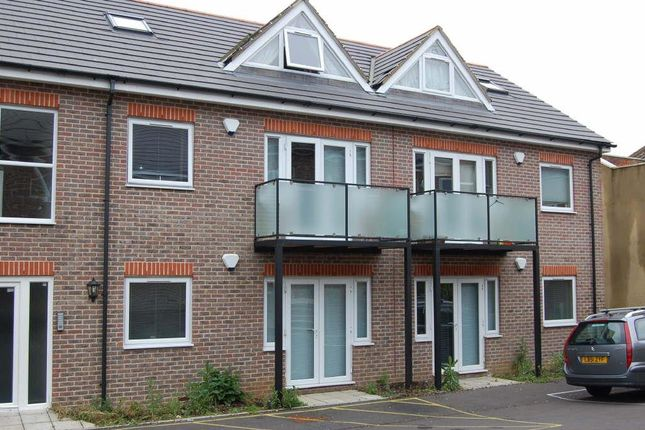 Thumbnail Flat to rent in Hartley Court, High Town, Luton